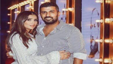 Photo of مي عمر عن زوجها محمد سامي: حازم ويفرض رأيه على الجميع