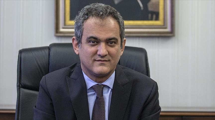 """تركيا.. وزير التربية الجديد يتحدث عن نمط التعليم في العام الدراسي القادم """"وجهاً لوجه أو أونلاين"""" (فيديو)"""