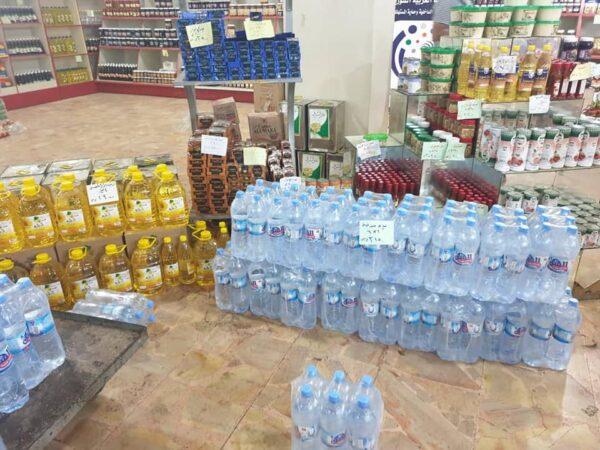 سوريا: مؤسسة النظام للتجارة تستحوذ على إنتاج المياه وتحدد صندوق واحد لكل مواطن يومياً!