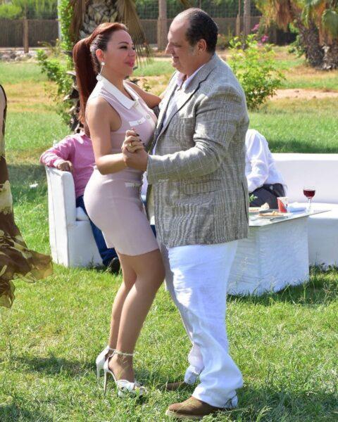 سوزان نجم الدين ترقص مع خالد الصاوي في كواليس تماسيح النيل