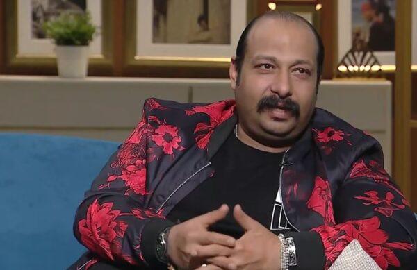 ترك زوجته يوم زفافه ودرس التجارة 7 أعوام بسبب التمثيل.. قصة الفنان المصري محمد ثروت (فيديو)
