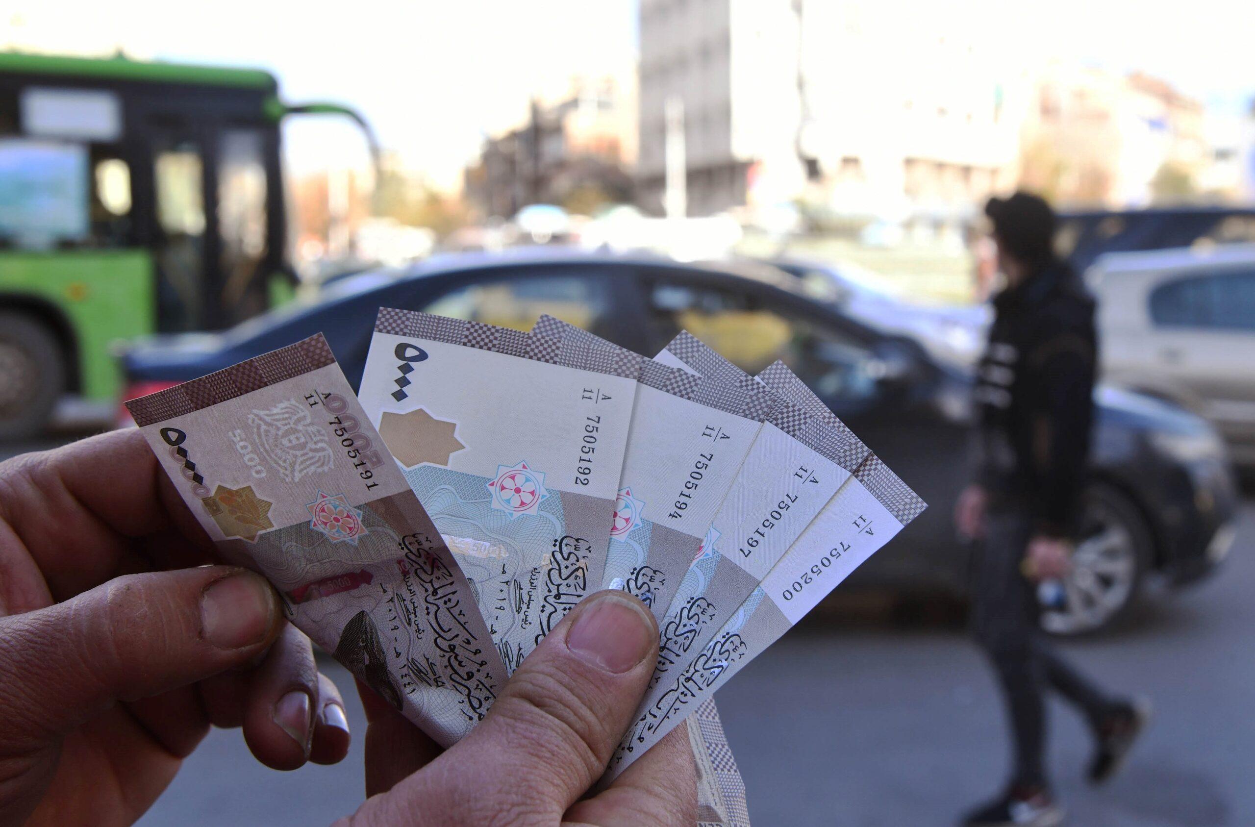 أسعار الليرة السورية الثلاثاء.. آخر تحديث لصرف العملات والذهب في سوريا