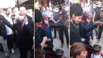 """Photo of سيدة تركية تحرج زعيم المعارضة أمام الصحفيين:""""لاتلمس طفلي وارحل من هنا"""" (فيديو)"""