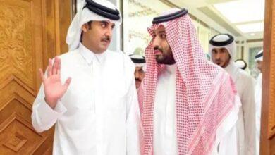 Photo of ولي العهد السعودي مع أمير قطر.. صورة للذكرى تجمع ثلاثة قادة بارزين في الخليج العربي
