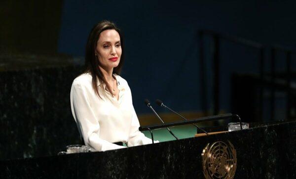 أنجلينا جولي توضح موقفها من طالبان بعد سيطرتها الأخيرة على أفغانستان