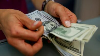 Photo of الليرة السورية مقابل الدولار الواحد في طريقها إلى 4 آلاف والأسعار في سوريا تواصل الارتفاع