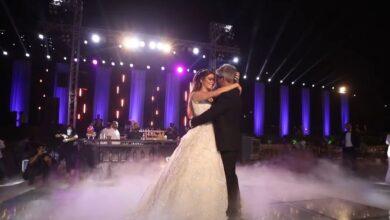 "Photo of نانسي عجرم تصدر فيديو أغنية ""حياة"" وترفق مشاهد من زفاف شقيقها (فيديو)"