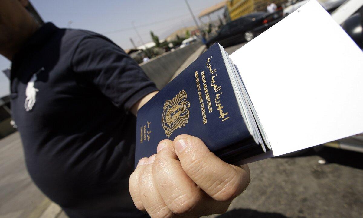 بعد توقف لأسابيع.. نظام الأسد يحدد موعد فتح إصدار جوازات السفر في سوريا