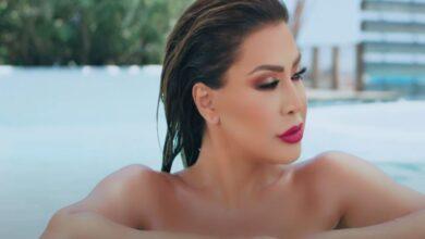 Photo of نوال الزغبي تطل بفيديو جديد من كواليس أغنية عليه ابتسامة من داخل بركة السباحة